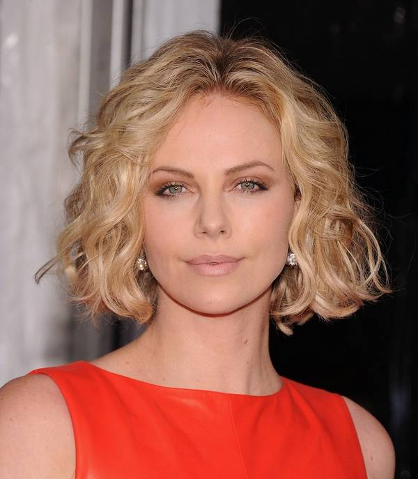 Short-Wavy-Hair-For-Summer-Haircut-2014-2015-09; wear and back again fashion, easy summer hairstyles, summer hairstyle ideas